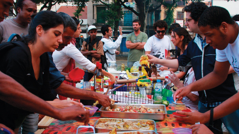 meal on the square Opavivará  Roberto Cabot Stream 03  PCA-Stream