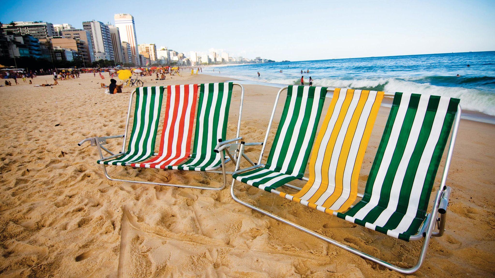 Copacabana beach  deck chair Opavivará  Roberto Cabot Stream 03  PCA-Stream