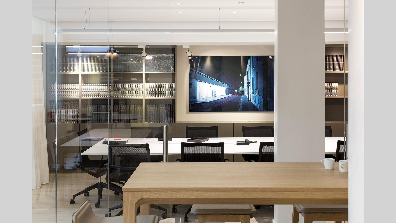 cluster PCA-STREAM offices marais paris ecosystem creative workplace patio